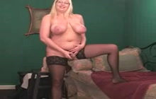 Chubby mature woman masturbates and squirts