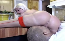 Amateur Blonde MILF squirts on black cock