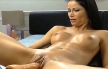 Squirting brunette hottie webcam session with a fucking machine